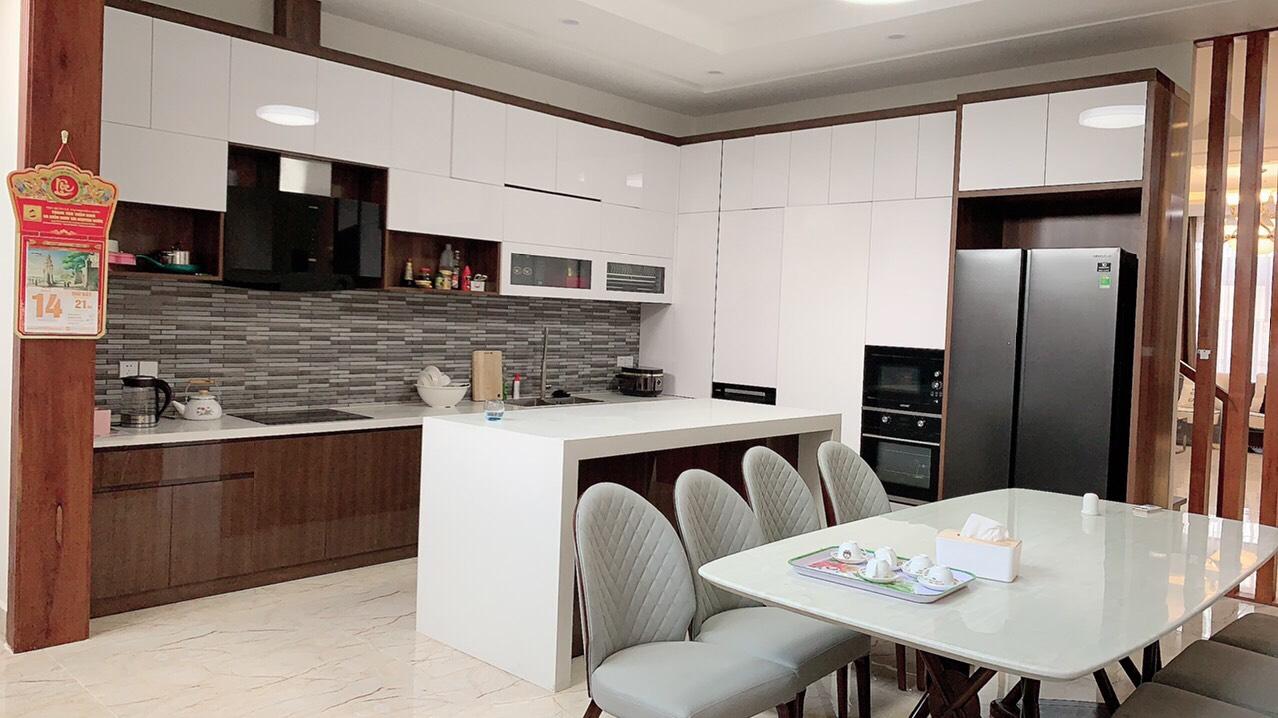 Nhà bếp & phòng ăn